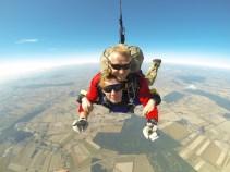 A to moja żona - dowód że skoczyła:)