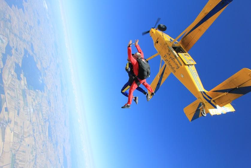 Skok spadochronowy!