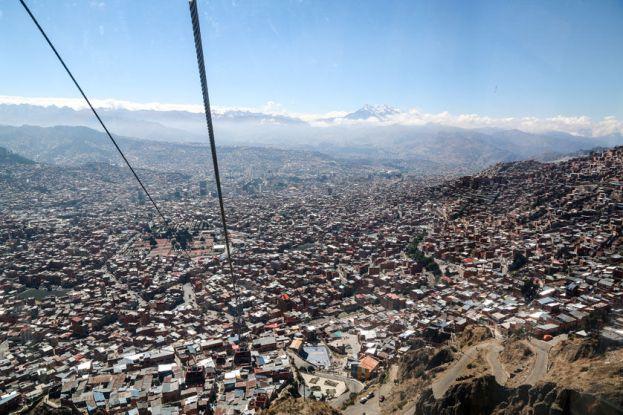 Panorama La Paz ze szczytu kolejki linowej Boliwia