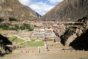 Widok z twierdzy Ollantaytambo Peru