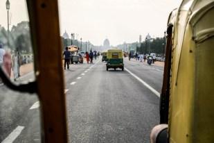 Indie New Delhi w drodze do budynków rządowych