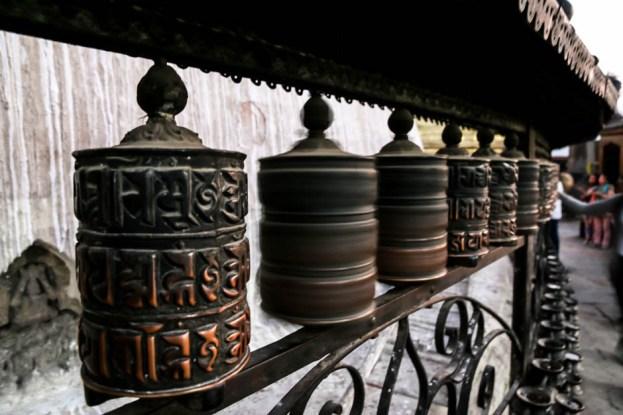 Nepal Katmandu młynki modlitewne w Monkey Temple