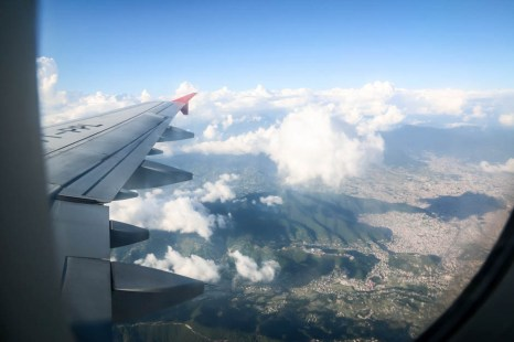 Nepal lot samolotem i panorama KTM