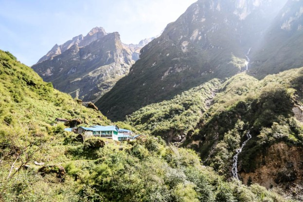 Nepal trekking do ABC Deurali