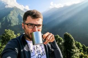 Nepal trekking do ABC śniadanie w Chhomrong