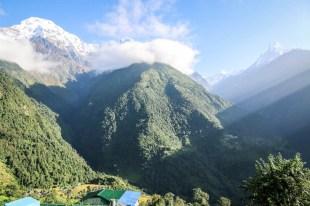 Nepal trekking do ABC wschód słońca w Chhomrong