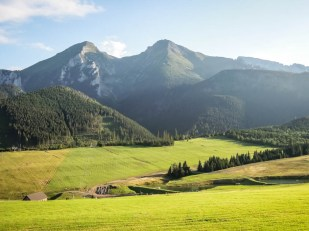 Piękne krajobrazy na trasie wokół Tatr