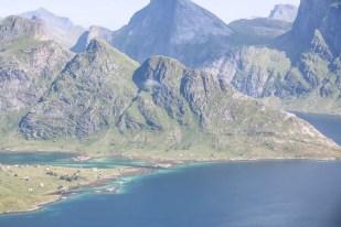 Fiord na trasie na Hermannsdalstinden