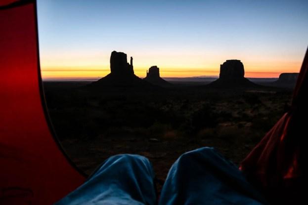 Monument Valley wchód słońca