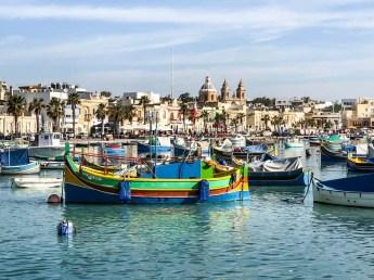 Marsaxlokk kolorowe łódki