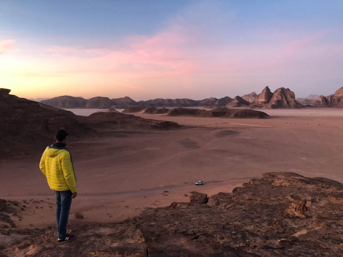 Panorama Wadi Rum na zachód słońca