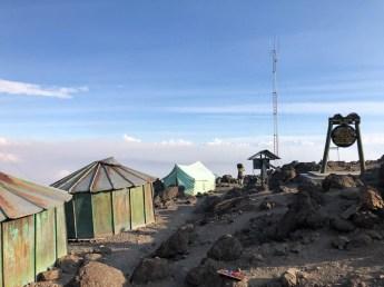 Tanzania trekking Kilimananjaro widok z barafu camp
