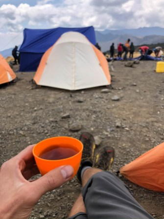 Trekking Kili herbatka shira camp