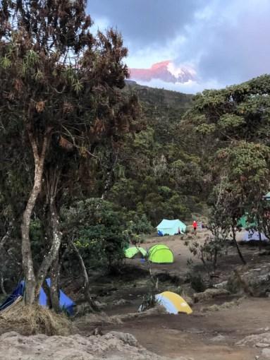 Trekking Kilimandzaro widok Kili z Machame Camp