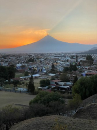 Puabla aktywny wulkan