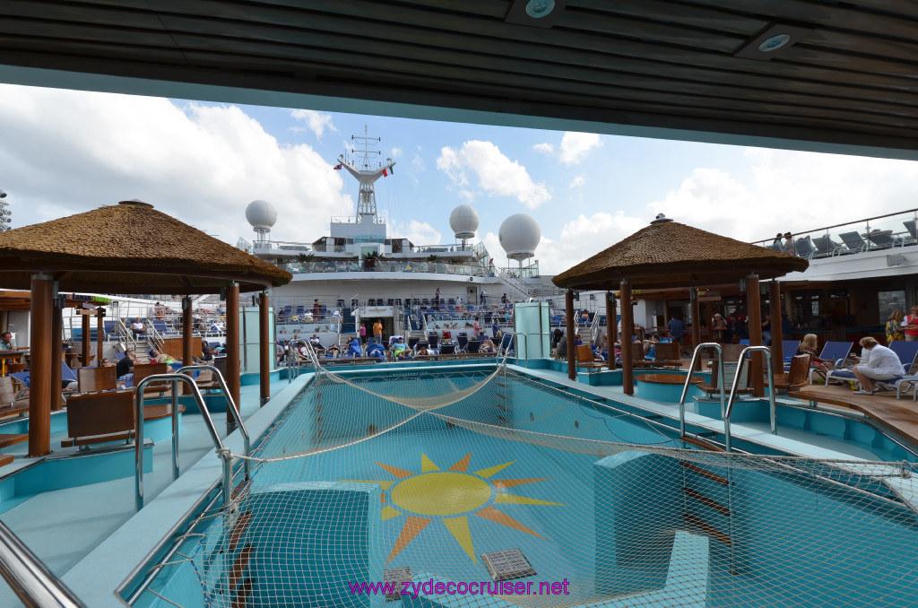 224 Carnival Sunshine Cruise Messina Lido Main Pool