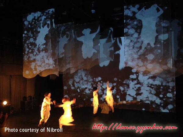 The show starts off with the four Japanese dancers who set the stage to show the times before the tsunami