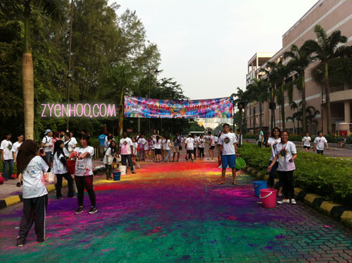 The finish line, where the volunteers were waiting to throw colours at the participants