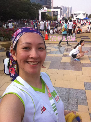 I ran with the MWM headscarf to keep my hair out of my face. Here's my selfie at the Finish line!