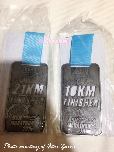 The finisher medals for 21km and 10km