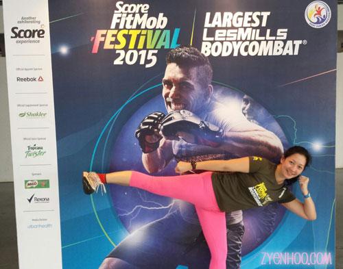 Here's a kick pose!