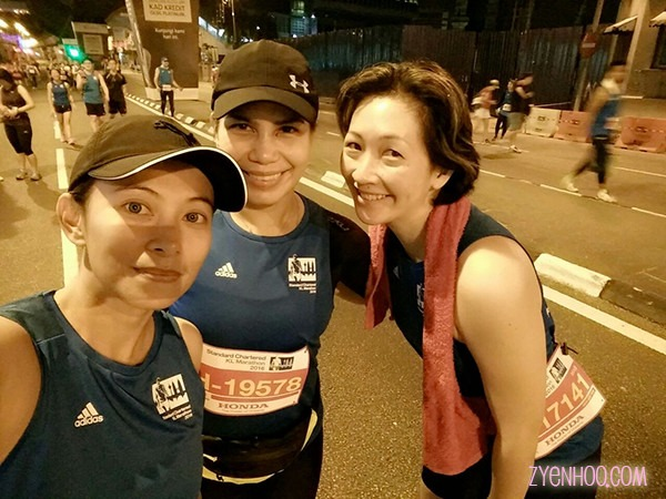 Lara, Zaz, and I on the way to the starting line