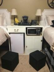 Efficient Dorm Room Organization Decor Ideas 29
