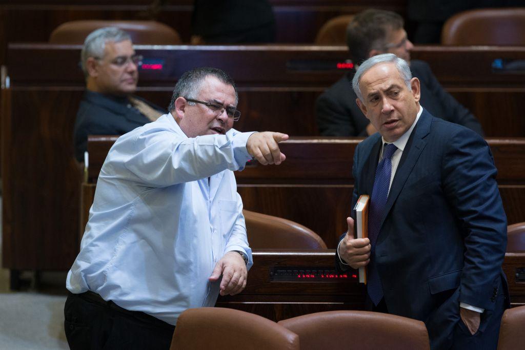 """Benyamin Netanyahu souhaite nommer David Bitan en tant que ministre de la Sécurité public. A ce poste, Bitan évincerait l'actuel chef de la police """"dangereux"""" pour le Premier ministre."""