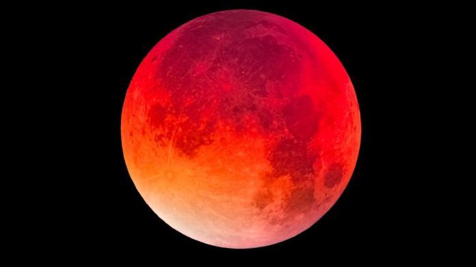 Blood Moon (AP)