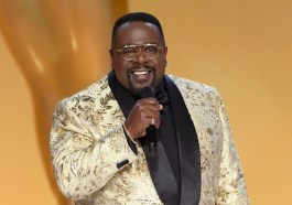 Cedric The Entertainer Kicked Off The 2021 Emmy Awards With A Nostalgic Vibe