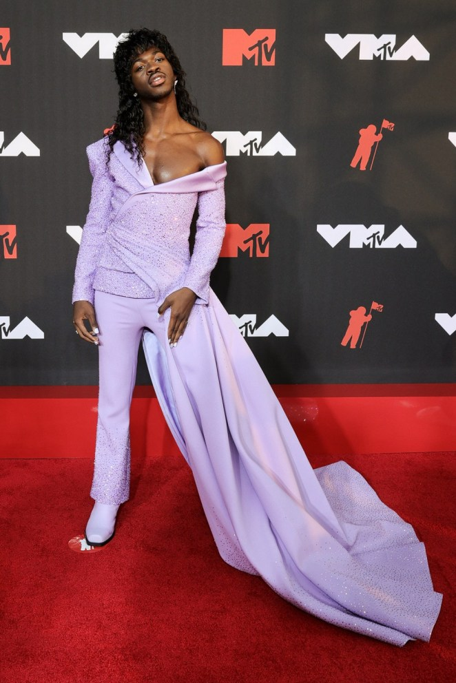 Lil Nas X Channelled Lil Kim With A Stunning Half-Gown Half-Suit For The MTV VMAS
