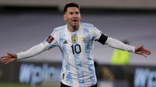 """Lionel Messi Was Overcome With Emotion As He Fulfilled A """"Dream"""" By Eclipsing Brazil Great Pele"""
