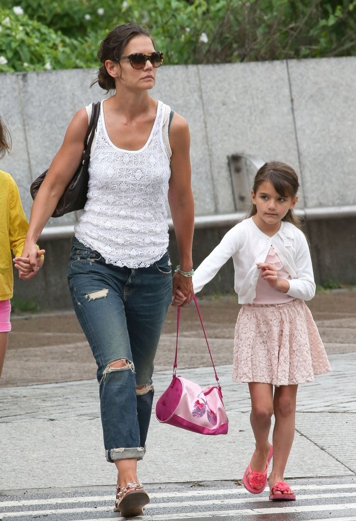 More Pics Of Katie Holmes Boyfriend Jeans 12 Of 14