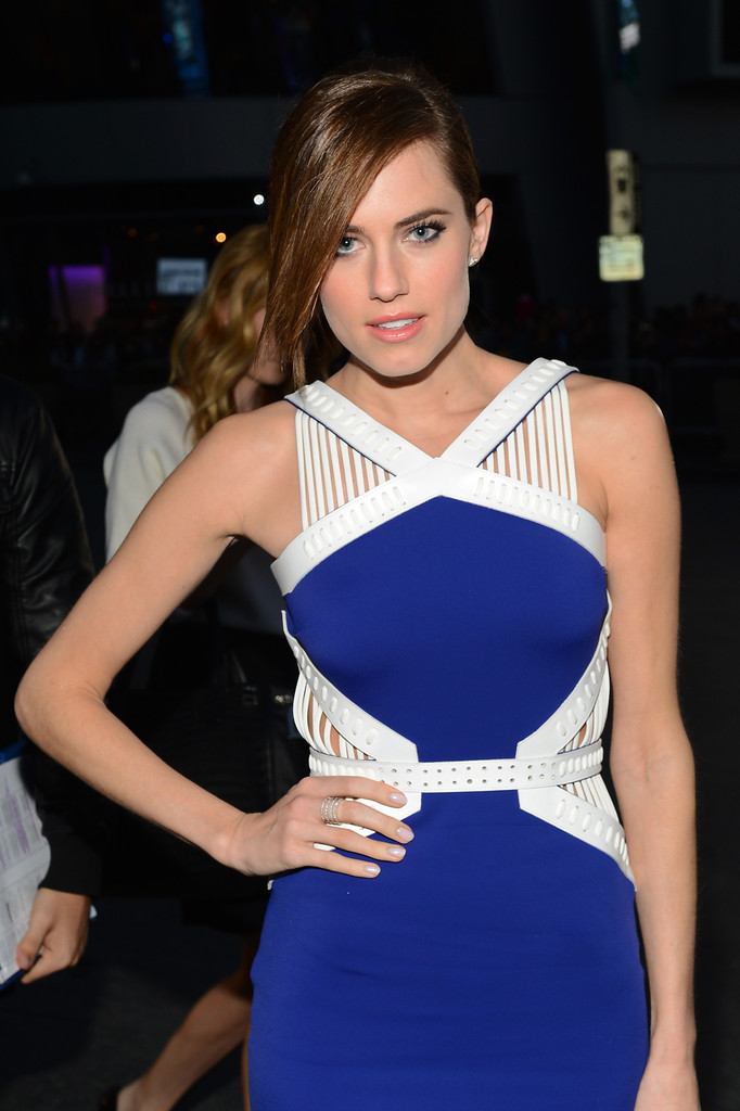 allison williams blue cut out bodycon bandage dress