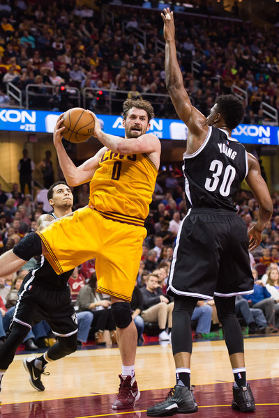Kevin Love Thaddeus Young Photos - Brooklyn Nets v ...