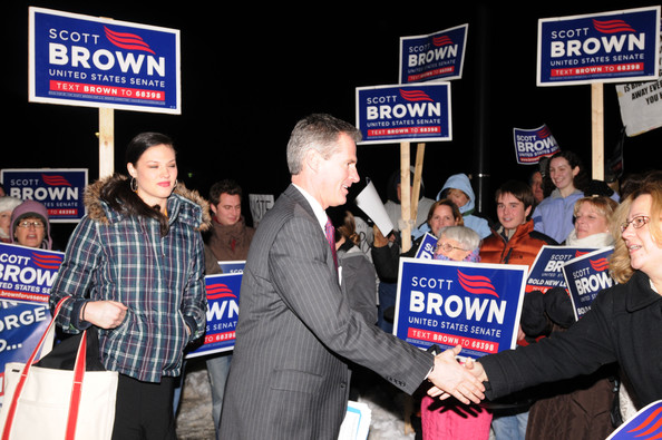 State Sen. Scott Brown arrives with his daughter Ayla for a U.S. senatorial debate at the University of Massachusetts January 11, 2010 in Boston, Massachusetts. A special election to fill the seat of the late Sen. Edward M. Kennedy has tightened between the Republican Brown and the Democratic, state Attorney General Martha Coakley. The election is January 19.