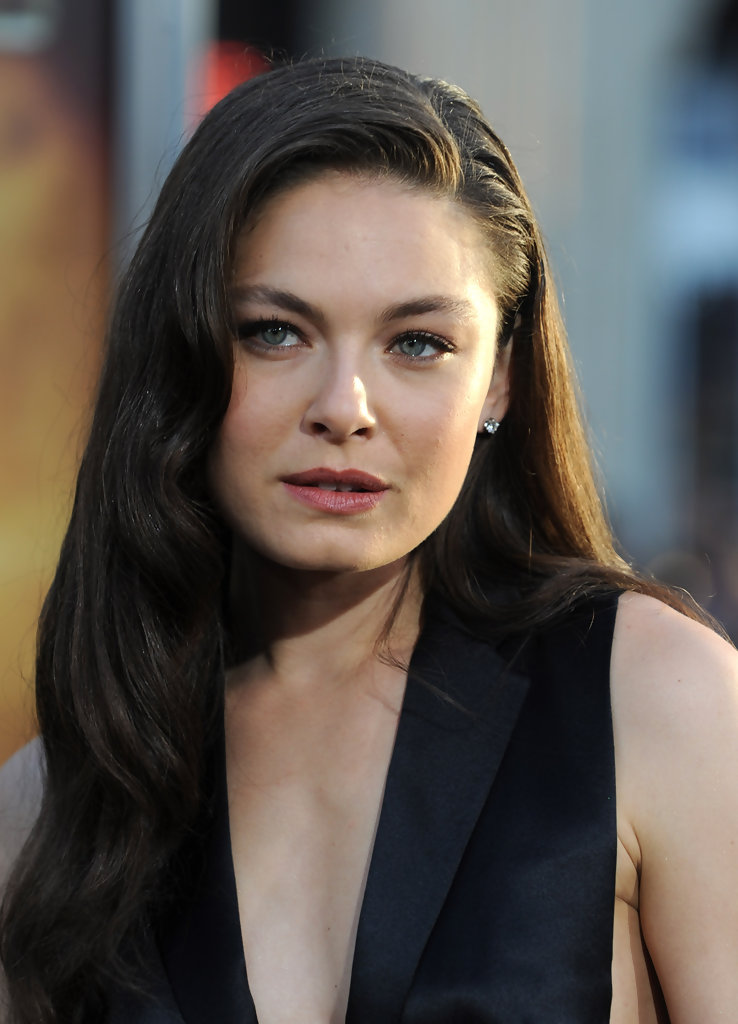 Alexa Davalos Photos Photos Premiere Of Warner Bros