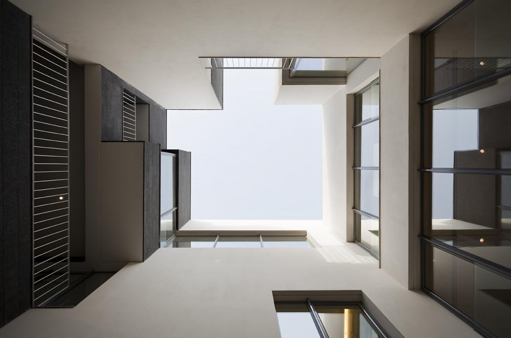 Aeccafe Black White In Yarmouk Kuwait By Agi Architects - The-contemporary-black-and-white-house-by-agi-architects