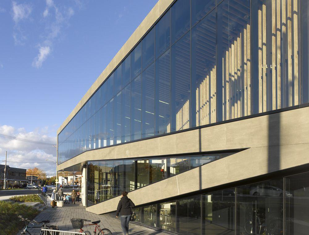 Saint eustache library in montr al canada by acdf for Architecture urbanisme