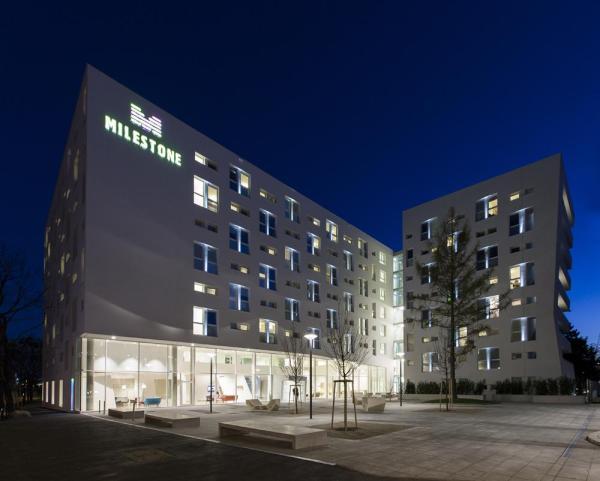 Image Courtesy © Josef Weichenberger architects + Partner