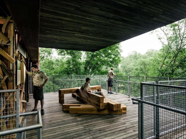 Reliance on outdoor educational space minimizes program requirements and creates dynamic opportunities for observation of the natural world, Image Courtesy © Joe Fletcher