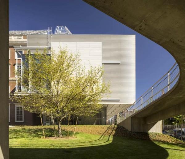 Exterior view – Detail South façade  September 2014, Image Courtesy © Ph. Nic Lehoux