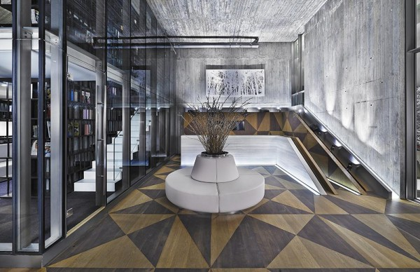 CONCIERGE DESK AND WAITING AREA AT THE CLUBHOUSE LOUNGE, Image Courtesy © Autoban