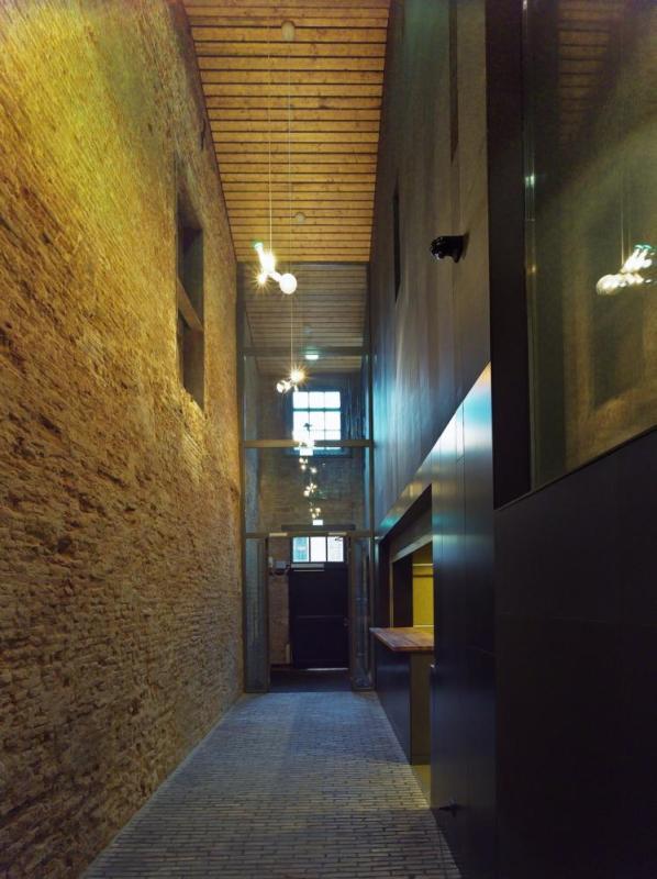 Entrance and cloak room, Image Courtesy ©  Petra Appelhof