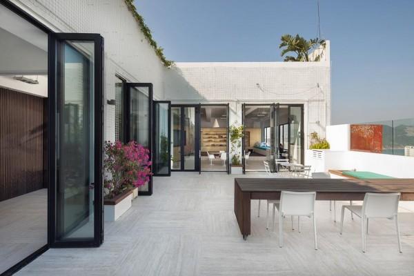 Outdoor terrace, Image Courtesy © Dennis Lo Designs
