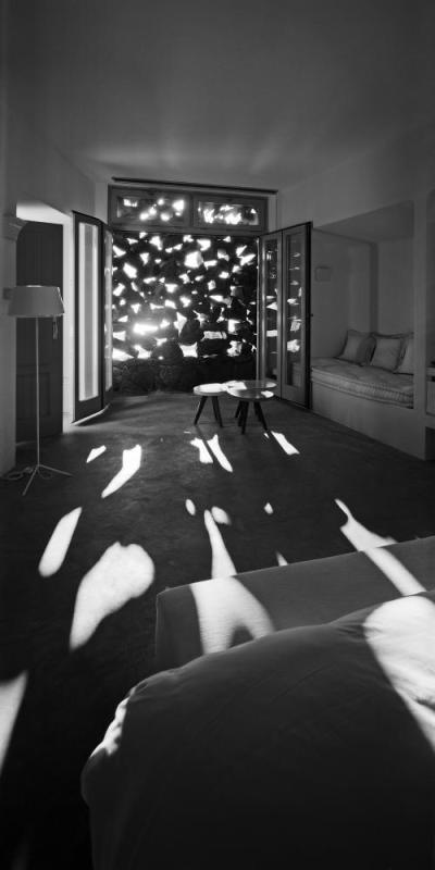 Interior view of the suite, Image Courtesy © Erieta Attali