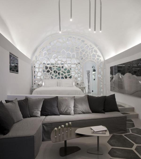 Interiorview of the Villa, Image Courtesy © Serge Detalle