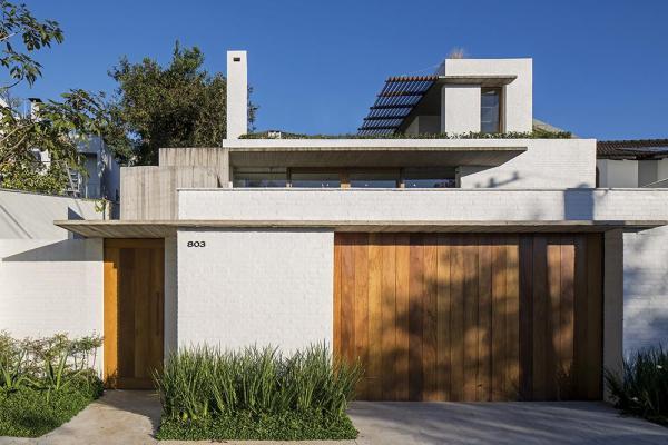 Image Courtesy © Brasil Arquitetura