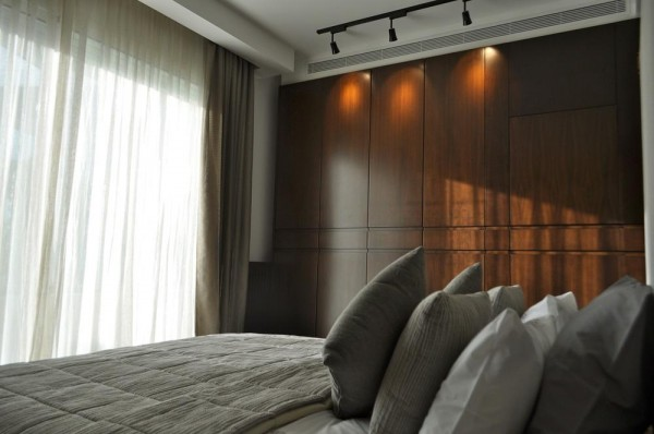Master bedroom View, Image Courtesy © RUDY BOU CHEBEL
