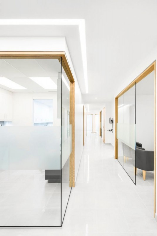 St-Onge Dental Center, Image Courtesy © Adrien Williams